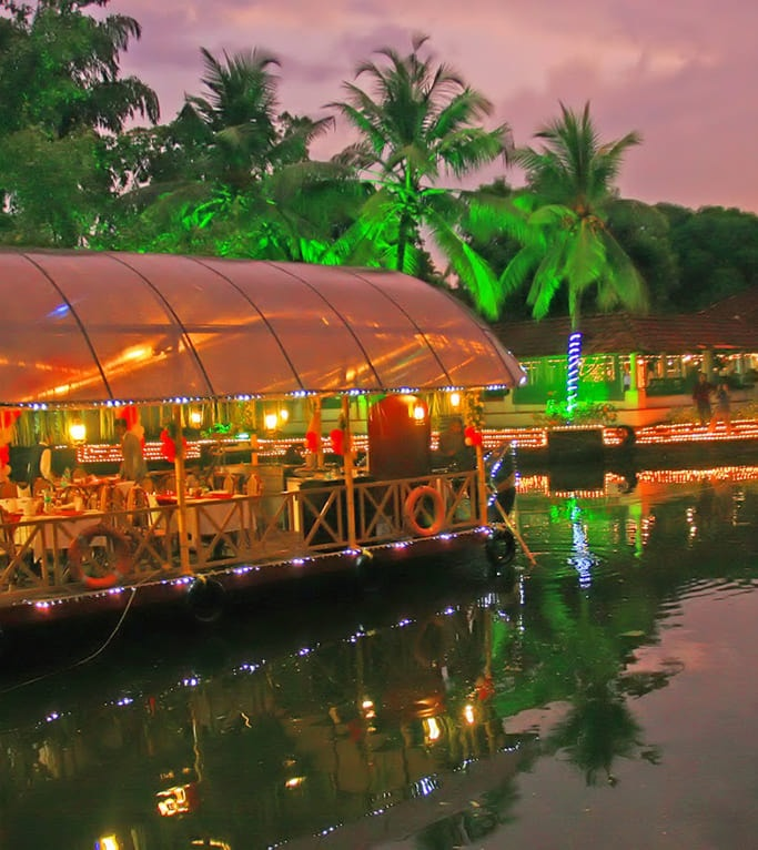 Backwaters Wedding Planner & Beach Weddings, Destination Wedding In Kerala: Backwaters, Houseboat, Top and Best Destination of Wedding Planner in Delhi NCR and India